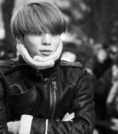Bundle up, Jjong. Winter is here. Shinee Jonghyun, Lee Taemin, Shinee Debut, Choi Min Ho, K Pop Star, Kim Kibum, K Pop Music, Winter Is Here, Celebs