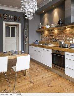 Uncover the Strong, Simple Beauty of Exposed Brick Wall Styles Backsteinmauer, offene Küche, Altbau, Open Kitchen, Kitchen Dining, Kitchen Decor, Kitchen Ideas, Kitchen Cabinets, White Cabinets, Room Kitchen, Wood Cabinets, Kitchen Colors