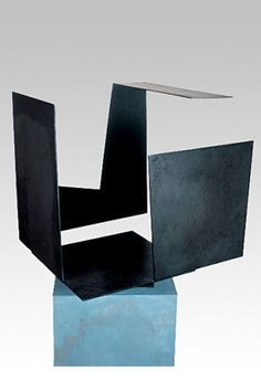 Caja vacía con gran aperture / Empty Box with Large Opening   -  1958   -  Jorge Oteiza   -   http://www.guggenheim.org/new-york/collections/collection-online/artwork/13906