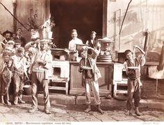 1895 Brogi, Macchenoraio napoletano, scena dal vero