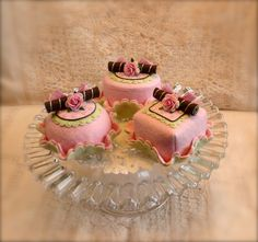 Petit Fours in Felt