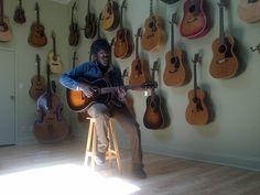 michael kiwanuka Violin, Musicians, Music Instruments, Musical Instruments, Music Artists, Composers