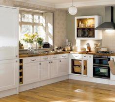 cocina pequena en L blanca