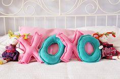 Valentine's XOXO Pillow Tutorial - fun for kids!