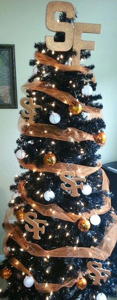 My San Francisco Giants Christmas Tree. #sfgiants #sfgholiday #fearthebeard