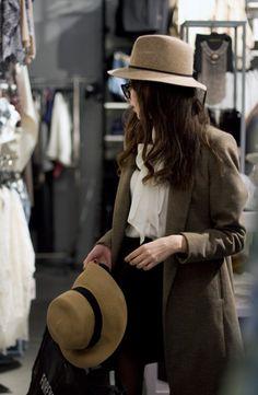 birdasaurus:The Fashion Cuisine Only Fashion, Love Fashion, Fashion Women, All About Fashion, Passion For Fashion, Girl With Hat, My Wardrobe, Wardrobe Ideas, Coco Chanel