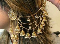 Draped hair chains with bells Indian Jewelry Earrings, Jewelry Design Earrings, Ear Jewelry, Bridal Earrings, Fashion Earrings, Bridal Jewelry, Fashion Jewelry, Chain Earrings, Gold Jewelry