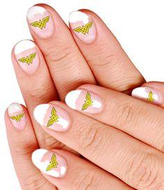 Wonder Woman nails5