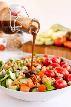 This sweet and tangy Honey Balsamic Vinaigrette takes just minutes to make and will take your salads to the next level! #salad #saladdressing #vinaigrette #balsamic #healthyrecipes French Vinaigrette, Honey Balsamic Vinaigrette, Balsamic Dressing, Salad Dressing Recipes, Salad Recipes, Salad Dressings, Valerie's Kitchen, Keto Sauces, Vinegar And Honey