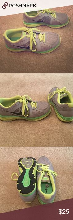 Nike Dual Fusion Running Shoes Kids Size 7Y Nike Dual Fusion Running Shoes Big Kids Size 7Y , Shoes In Good Condition ! Have Been Worn A Few Times But No Rips Or Tears ! Make An Offer Nike Shoes Sneakers