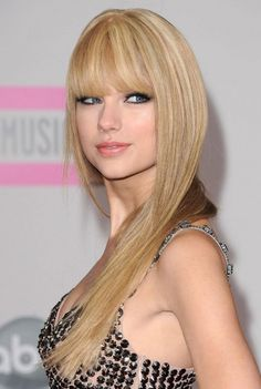 taylor-swift-red-carpet-2054035992.jpg (450×671)
