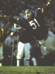chicago bears - Dick Butkus - He didn't need an earring!