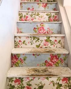 This is the staircase in the cafe from the previous post. Aren't they just perfect? Decoration Shabby, Shabby Chic Decor, Vintage Home Decor, Brides Room, Wallpaper Ceiling, Stair Decor, Relaxation Room, Shabby Chic Farmhouse, Rose Cottage
