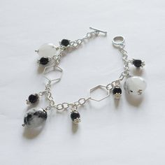 Tourmilated quartz and black onyx bracelet by La pietra blu di Avalon