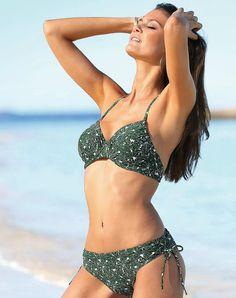 63e38ee0402d 30 meilleures images du tableau Bikinis