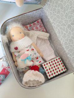 Little suitcasedoll  made by Else Besjes