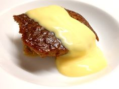 Malva Pudding Recipe from South Africa. One of our favorite recipe pins of the week Apple Pudding Cake Recipe, Pudding Desserts, Pudding Recipes, Easy Desserts, South African Desserts, South African Dishes, Baking Recipes, Cake Recipes, Dessert Recipes