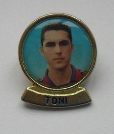 TONI FC BARCELONA METAL FOOTBALL PIN BADGE