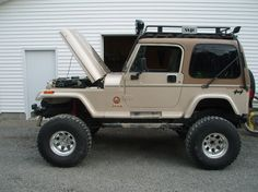 **Wanting to trade jeeps for a more built jeep or?*** I would like it to have a Dana 60 bolt rear linked or leafs + It is a 1994 Jeep. Jeep Wj, Jeep Truck, Old Bronco, Jeep Wrangler Sahara, Custom Jeep, Jeep Stuff, Cute Cars, Future Car, Jeep Life