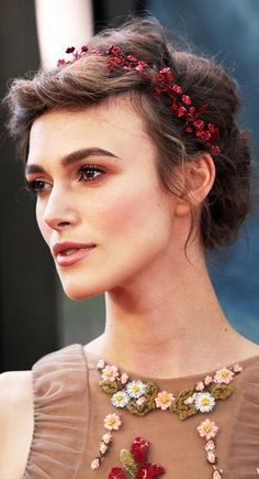 Keira Knightley ♥ She has such a pretty neck...and everything else..