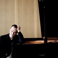 German-born pianist Lars Vogt has established a reputation as a concerto soloist a recitalist, and a committed chamber musician.    #pianist #piano #classica      © Felix Broede
