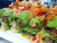 Canelones de pollo, ternera y vegetales @morfitelefe Chimichurri, Spinach Recipes, Healthy Recipes, Healthy Foods, Chefs, Pasta, Menu Planning, Avocado Toast, Tacos