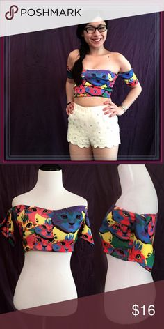 """Off the shoulder pop art  crop top ➖SIZE: small (see measurements)  ➖STYLE Off the shoulder pop art (Andy Warhol inspired) CAT  crop top   ➖MEASUREMENTS        ➖BUST: 14.5""""       ➖LENGTH: 9"""" from the top and 8"""" from the bottom of the sweetheart neckline      ➖SLEEVES: 5.5"""" Forever 21 Tops Crop Tops"""