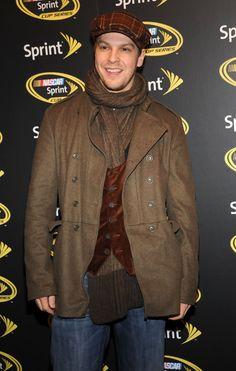 Gavin Degraw - Sharp dresser!