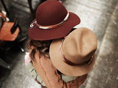 Sheer + beige = a winning, alluring casual look that never goes out of style. Parisienne Chic, Leica, Fall Hats, Winter Hats, Chloe Isabel, Love Hat, Fashion Gallery, Victoria Secrets, Girl With Hat