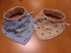Made in . Baby Booties, Baby Shoes, Sewing Tutorials, Sewing Projects, Winter Kids, Felt Fabric, Baby Crafts, How To Make Bows, Baby Sewing