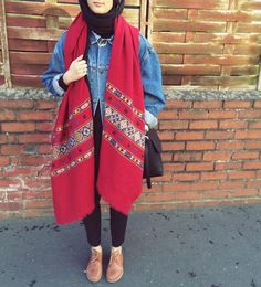 This shawl brings this outfit together in stylee