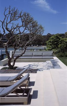 [PROJECT - Waterfront Palazzo] A sunken fixed area provides a social spot for friends and families to gather Outdoor Spaces, Outdoor Living, Courtyard Gardens, Coastal Gardens, Built In Seating, Waterfront Homes, Palazzo, Terrace, Families