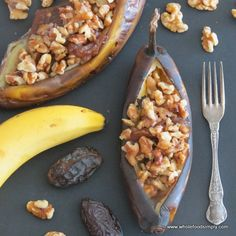 Date and Walnut Baked Bananas4 bananas  8 medjool dates, deseeded  1/2 heaped cup of walnuts, roughly broken up  1/2 cup boiling water