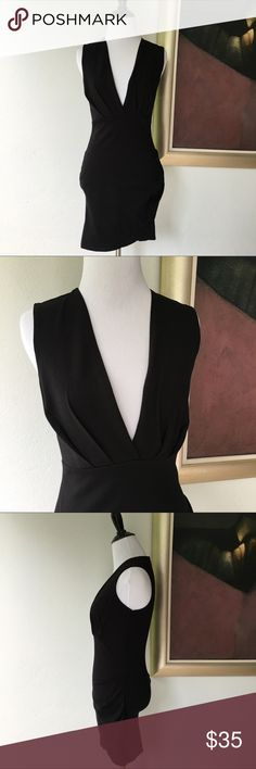 "Lulu's Black Bodycon V Neck Dress size S Preowned authentic Lulu's Black Bodycon V Neck Dress size S. Sleeveless. Zips in the back. Armpit to armpit is 14"" inches. Collar to hem is 31"" inches. Please look at pictures for better reference. Happy shopping!! Lulu's Dresses Mini"