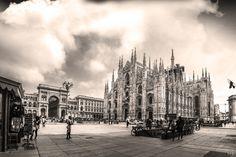 Duomo di Milano - Photographie ©2015 par Emmanuelle Menny Fleuridas -                                                            Art figuratif, Autre, Villes, milan, milano, duomo, ville, town, church, cathedral, église, cathédrale