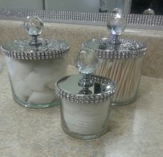 to & Diy creative projects Diy. reuse bath and body works candle jars. Glam them up by simply adding bling on a roll and cabinet knobs. reuse bath and body works candle jars. Glam them up by simply adding bling on a roll and cabinet knobs. Home Crafts, Diy Home Decor, Diy Crafts, Mason Jar Crafts, Mason Jars, Creation Deco, Apothecary Jars, Bath And Body Works, Glass Jars