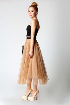 Pleated chiffon midi skirt. | Sartorialism | Pinterest | Chiffon ...