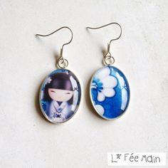 Boucles d'Oreilles Cabochon « Kokeshi – Bleu Intense » - boucle d'oreille - Lfeemain - Fait Maison
