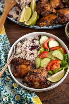 Jamaican Jerk Chicken with Rice and Peas - tender pieces of chicken with a delicious flavoursome blend of spices serve with the perfect side of coconutty white rice with kidney beans. #jerkchicken #chicken #rice #slimmingworld #weightwatchers Dairy Free Recipes, New Recipes, Healthy Recipes, Healthy Foods, Gluten Free, Jerk Chicken, Chicken Rice, Slimming World Chicken Recipes, Slimming Eats