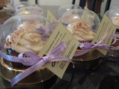 Individual cupcake packaging - clear dome lids..so good and nice!!