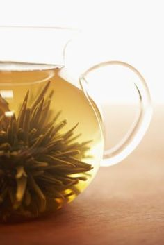 Drinks to Lower Cholesterol [Article] Green Tea, Berry Juice, Tart Cherry Juice - Heart Health What Causes High Cholesterol, Cholesterol Symptoms, Healthy Cholesterol Levels, Cholesterol Lowering Foods, Tart Cherry Juice, Berry Juice, Drinks, Green, Cure