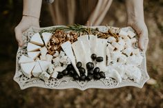 Lush floral elopement on the meadow Pinewood Weddings Wedding Bible, Wedding Blog, Simple Weddings, Real Weddings, Destination Weddings, Kinfolk Wedding, Wedding Catering, Industrial Wedding, Coconut Flakes