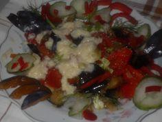 Sałatka z bakłażanów,  pomidorów i papryki