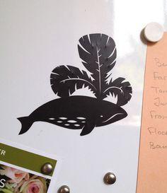 Aimant découpé Baleine - Cut out magnet of whale - Fridge decoration de la boutique AnastassiaElias sur Etsy