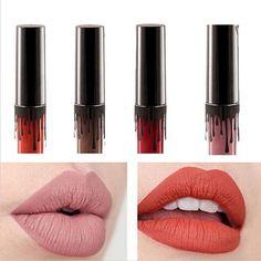2016 Mode de haute qualité solide couleur facile sur le imperméable à l'eau 8-couleur rouge à lèvres brillant à lèvres