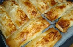 Baniçka (Göçmen Böreği) | Nefis Balkan Yemekleri Plant Sale, Turkish Recipes, Hot Dog Buns, French Toast, Brunch, Pizza, Cooking Recipes, Yummy Food, Bread