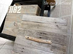 Build your own storage crates with reclaimed wood by @Kara H @ the space between blog
