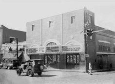 Aguadilla 1903 vista de frente a la alcaldía. Antigua Farmacia Font,Puerto Rico.