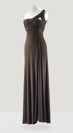Grès Haute Couture, 1971 ROBE DU SOIR ASYMÉTRIQUE EN JERSEY CACAO DE LA MAISON RACINE GRES HAUTE COUTURE, 1971 A FINE DRAPED BROWN JERSEY 'GODDESS' GOWN WITH FINE PLEATS TO THE ASYMMETRIC BODICE