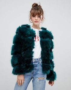 Buy New Look coat in fluffy faux fur at ASOS. Get the latest trends with ASOS now. Faux Fur Hooded Coat, Faux Fur Jacket, Faux Fur Coats, Green Fur Coat, New Look Coats, Color Verde Militar, Fur Coat Outfit, Winter Stil, Latest Outfits